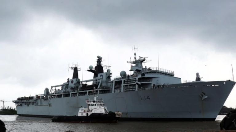 El HMS Albion es el buque militar inglés cerca de China