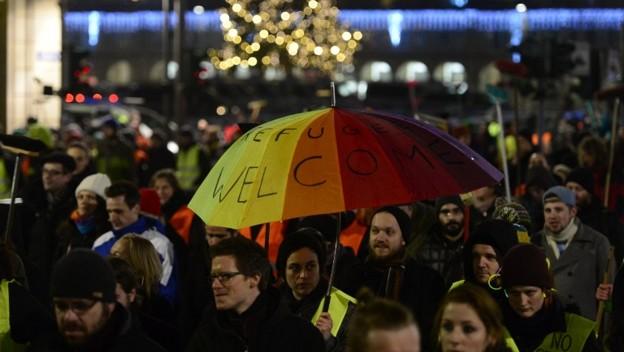 Diez mil personas marchan contra el odio en Dresde