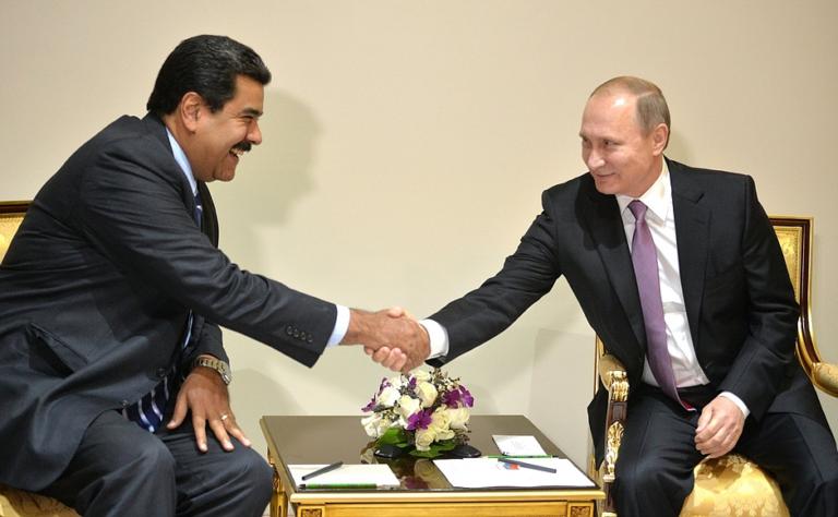 Maduro escucha a Rusia para aumentar la independencia económica de Venezuela