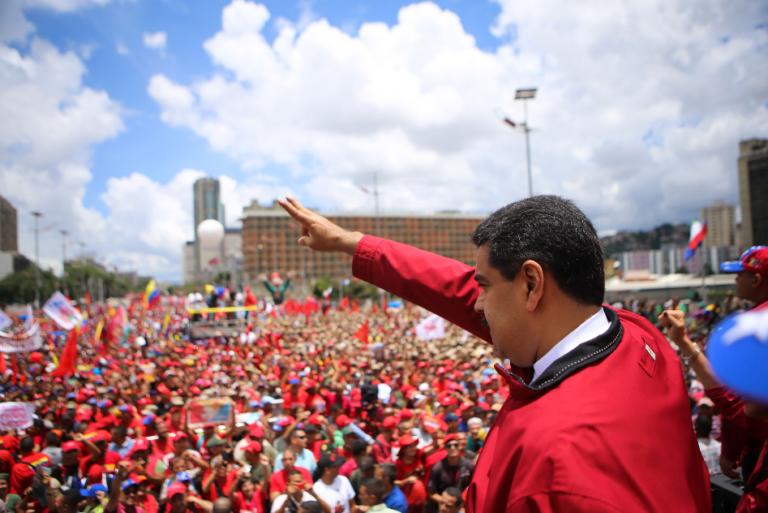 El chavismo sale a las calles en apoyo a Maduro