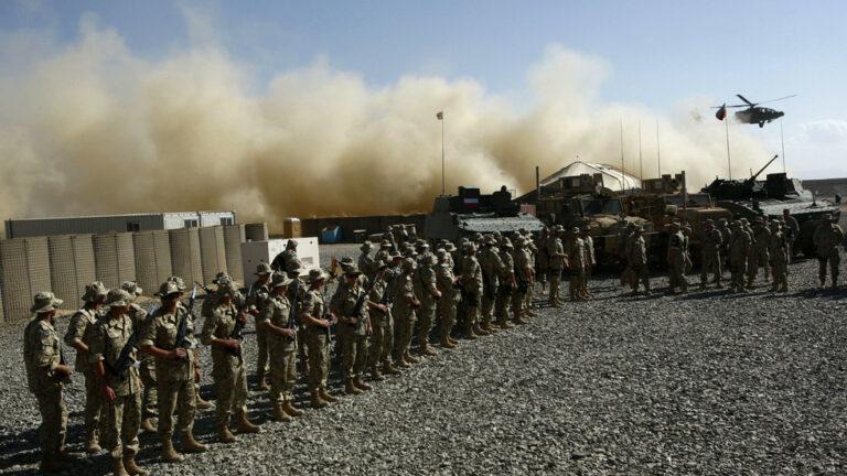 Polonia anuncia un plan para unirse a los aliados de la OTAN para retirar tropas de Afganistán